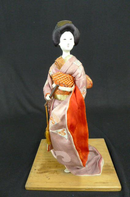 舞妓さんの日本人形の画像