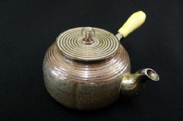 銀製急須の画像