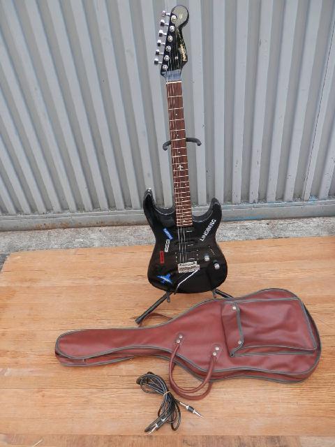 フェルナンデスのエレキギターの画像