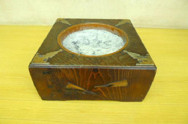 関西火鉢の画像