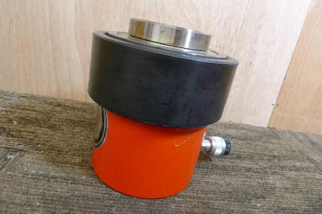 理研精機の油圧シリンダの画像