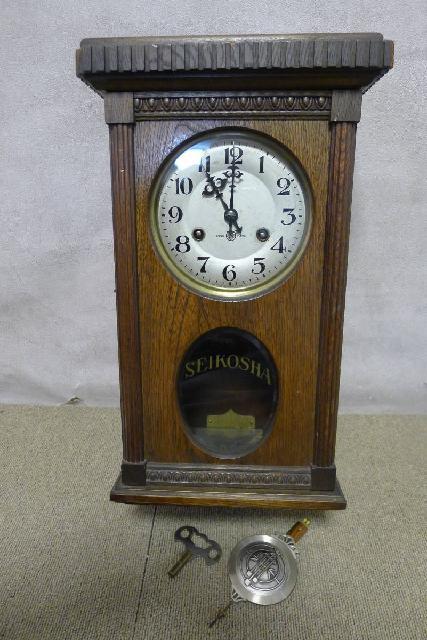 精工舎のゼンマイ式振り子時計の画像