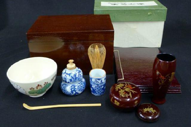 桐木地本漆塗の利休茶箱の画像