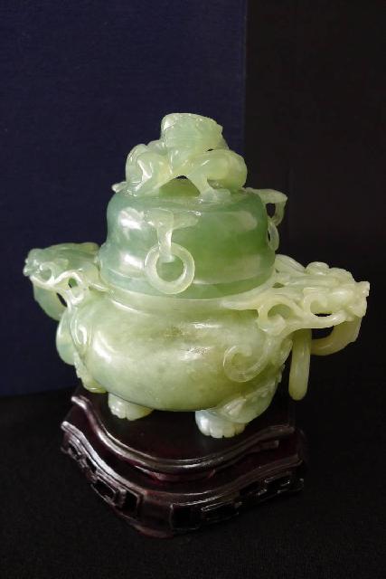 玉製香炉の画像