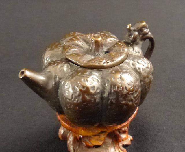 古銅製の南瓜型水滴