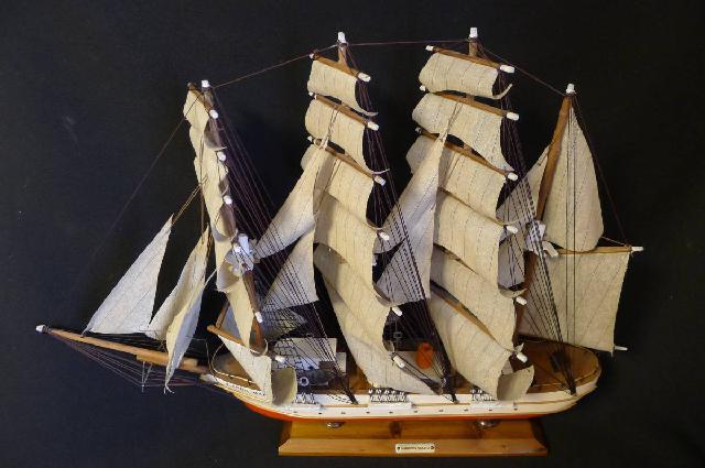 日本丸帆船模型の画像