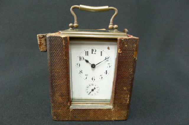 ゼンマイ式置時計の画像