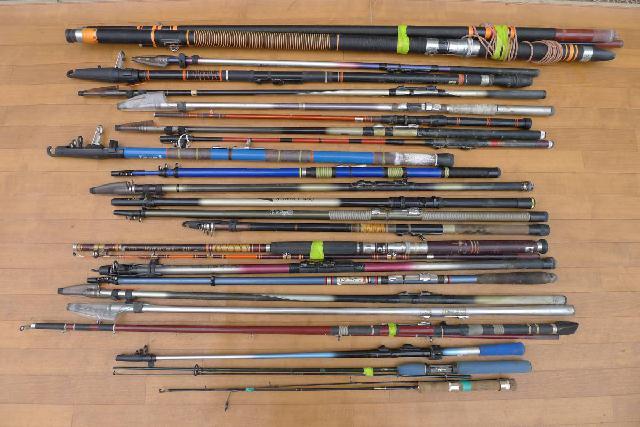 海釣り用の竿まとめてセットの画像